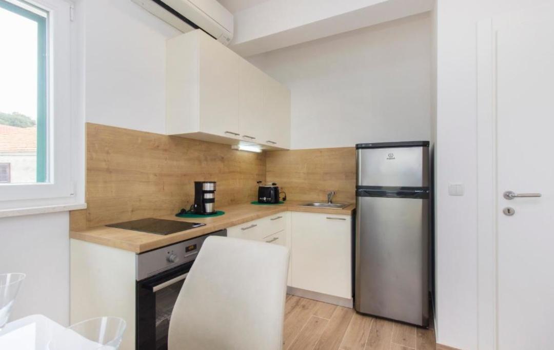 apartman2-kuhinja
