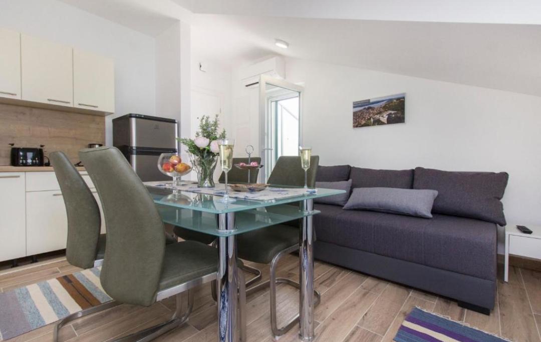 studio-apartman2-blagovaonica1