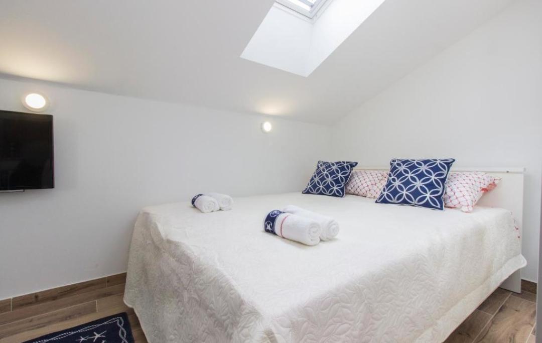 studio-apartman2-spavaća-soba-1